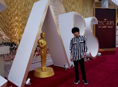 Sexy Zone中島健人、米アカデミー賞授賞式取材で会場入り レッドカーペットを踏みしめ「いつか自分もここを歩きたい」