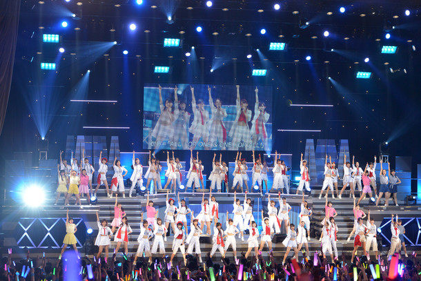 「Hello! Project 2016 WINTER ~DANCING! SINGING! EXCITING!~」の様子。
