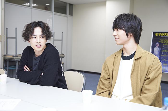 (左から)鈴木勝吾、山崎大輝