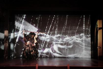 観世流能楽師・坂口貴信と演出・奥秀太郎に訊く『スペクタクル3D能「平家物語」』の実態