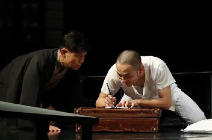 宮沢賢治の生涯を父の目線で描いた究極の親子愛! 的場浩司主演舞台『銀河鉄道の父』開幕