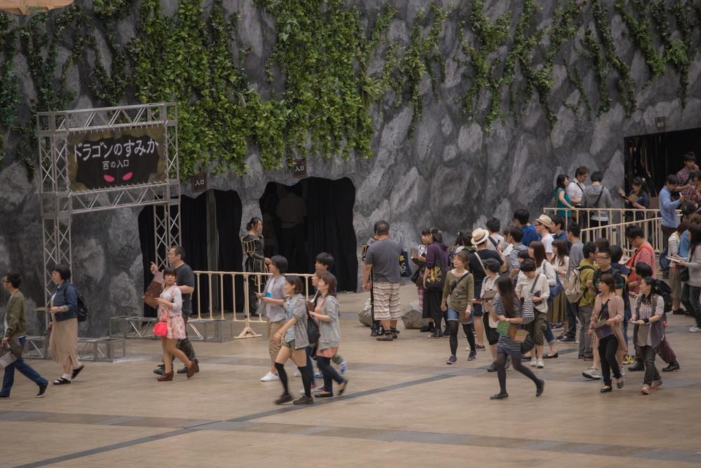 前回公演『リアル脱出ゲーム×ドラゴンクエスト「竜王迷宮からの脱出」』の様子