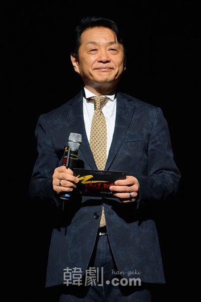 プレスコールでは詳しく作品解説も披露した、演出家の小池修一郎