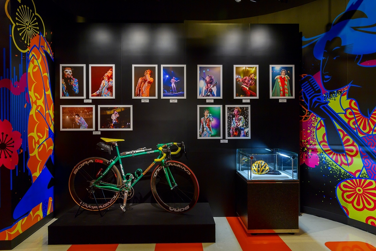 The images shown depict wax figures created and owned by Madame Tussauds.