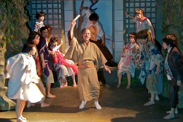 少年王者舘 第36回本公演『累-かさね-』より 撮影:羽鳥直志