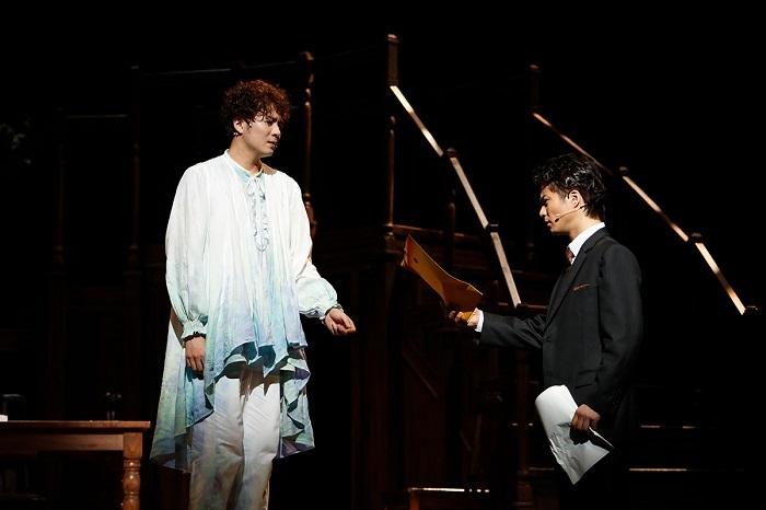 (左から)平方元基、 田代万里生 提供:ホリプロ 舞台写真撮影:西木義和
