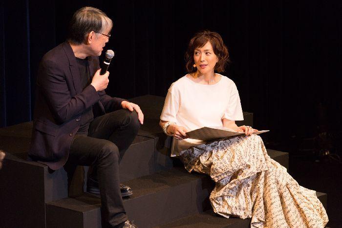 松本(左)とのトークでは、どんな話が飛び出すだろうか