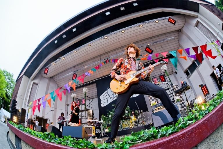 『GLIM SPANKY 野音ライブ 2017』大阪城音楽堂 Photo credit by ハヤシマコ