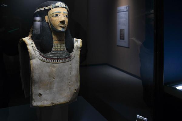 《中王国時代のミイラマスク》 エジプト 出土地不詳 中王国時代、第11王朝-第12王朝の始め頃、紀元前2010年-前1975年頃 レーマー・ペリツェウス博物館