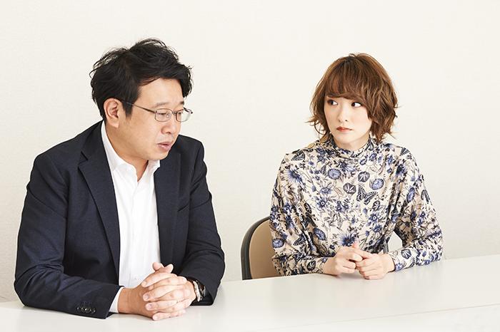 (左から)毛利亘宏、生駒里奈