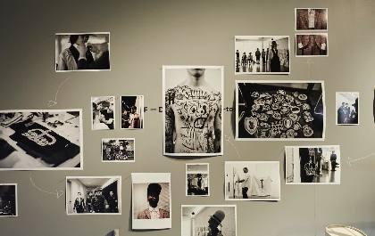 ランウェイの裏側を撮影した写真展『TAKEO KIKUCHI PHOTO EXHIBITION』、タケオキクチ渋谷明治通り本店で開催中