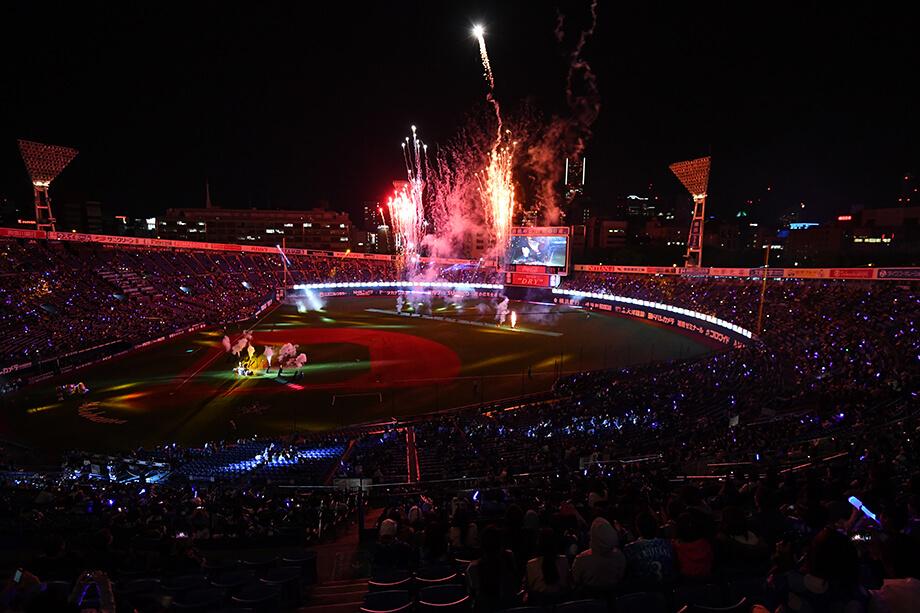 試合後のスタジアムで行われる『GIRLS☆FESTIVAL FIREWORKS SHOW』(※画像はイメージ) (c)YDB
