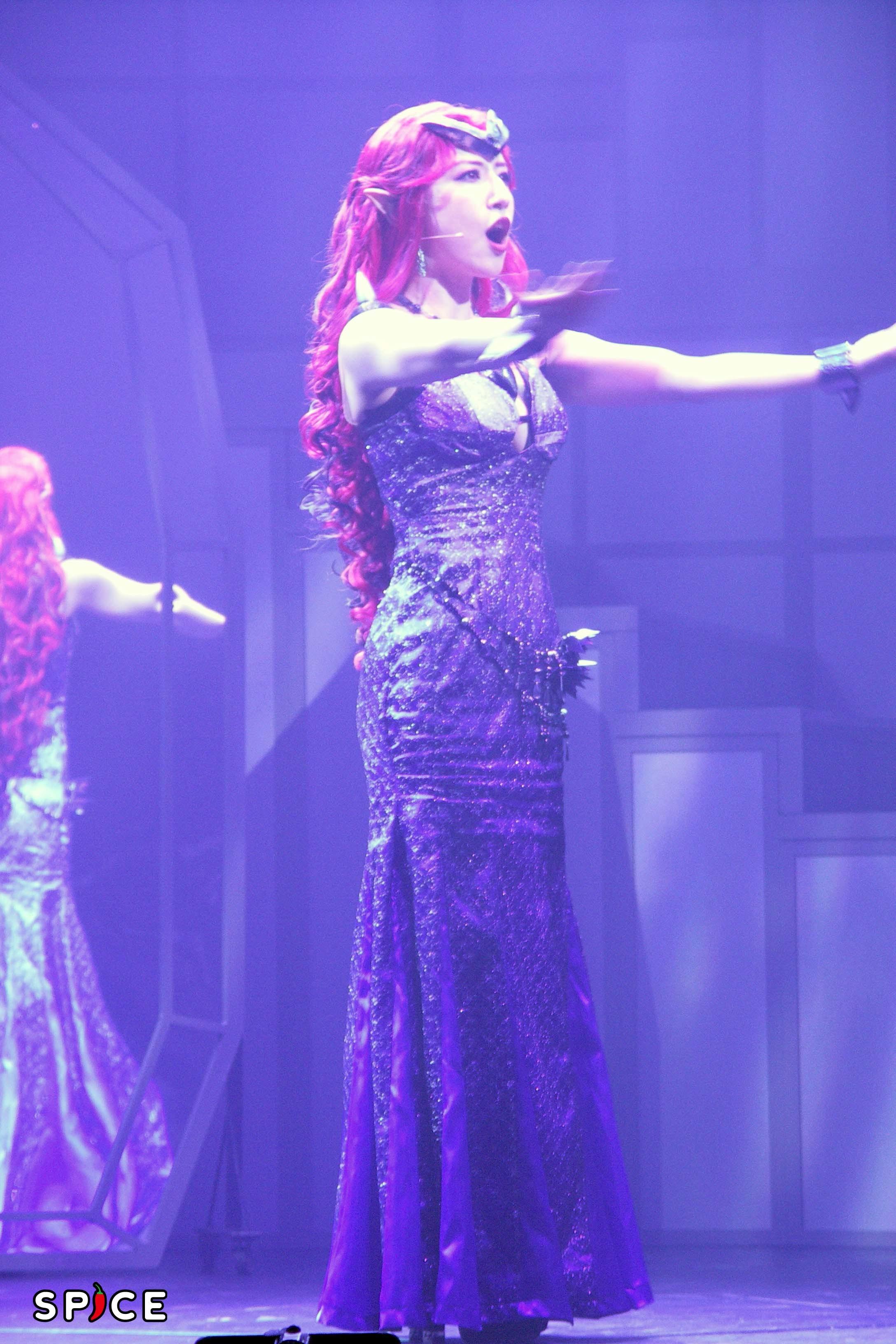 歌唱力を活かしてダーク・キングダムの女王を演じるのは玉置成実 (C)武内直子・PNP/乃木坂46版 ミュージカル「美少女戦士セーラームーン」製作委員会