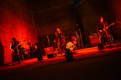 THE NOVEMBERS、バンド初となるBlu-ray作品『Live - At The Beggining - at 大谷資料館』 数量限定でリリース