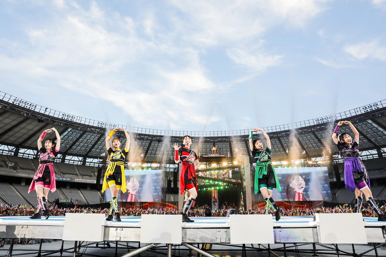 『ももクロ夏のバカ騒ぎ2017 -FIVE THE COLOR Road to 2020- 味の素スタジアム大会会場』2日目  Photo by HAJIME KAMIIISAKA+Z