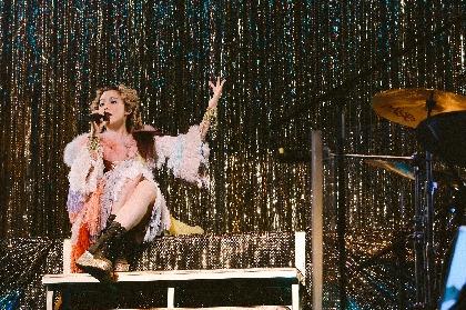 Charaが生誕50年記念ライブ 椿鬼奴もサプライズモノマネで祝福