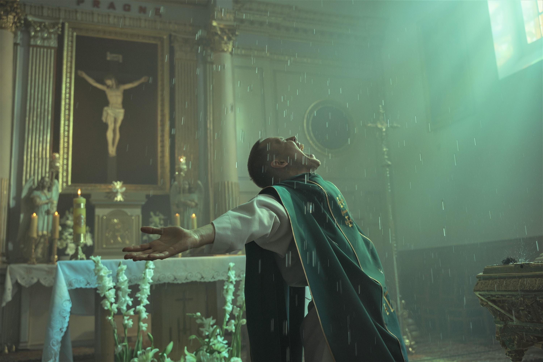 『聖なる犯罪者』より