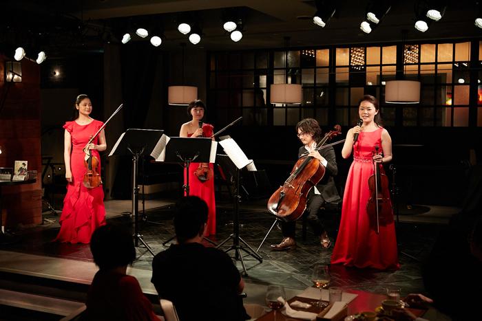 (左から)鈴木舞、伊藤亜美、内田麒麟、安達真理