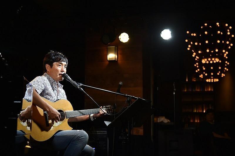 佐藤竹善 2017.10.3 LIVING ROOM CAFE 撮影=鈴木 恵