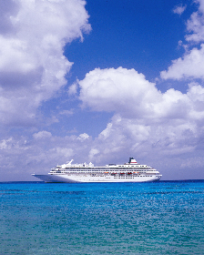 北翔海莉、妃海風らによるショーを豪華客船『飛鳥II』で堪能 『TAKARAZUKA ON ASUKA II』が開催に