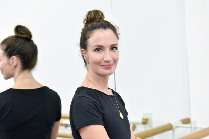 英国ロイヤル・バレエ団のカスバートソンとモレーラが新国立劇場バレエ『不思議の国のアリス』にコメント