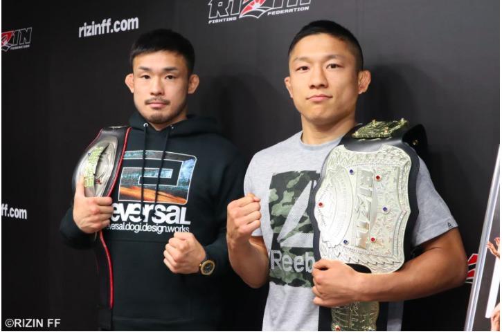 扇久保博正(左)と堀口恭司(右)