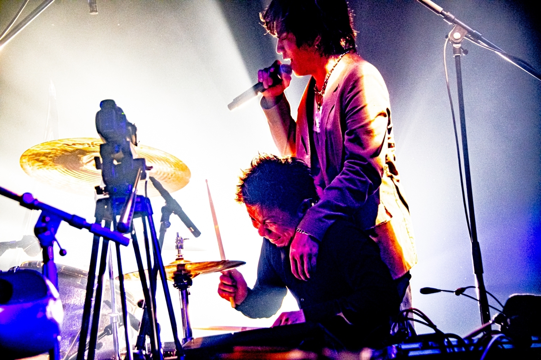 LAMP IN TERREN 撮影=浜野カズシ