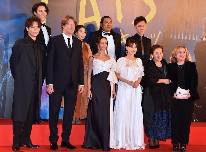 映画『キャッツ』ジャパンプレミアに参加した、トム・フーパー監督、主演のフランチェスカ・ヘイワード、プロデューサーのデブラ・ヘイワード、そして、日本語版吹き替えキャストら