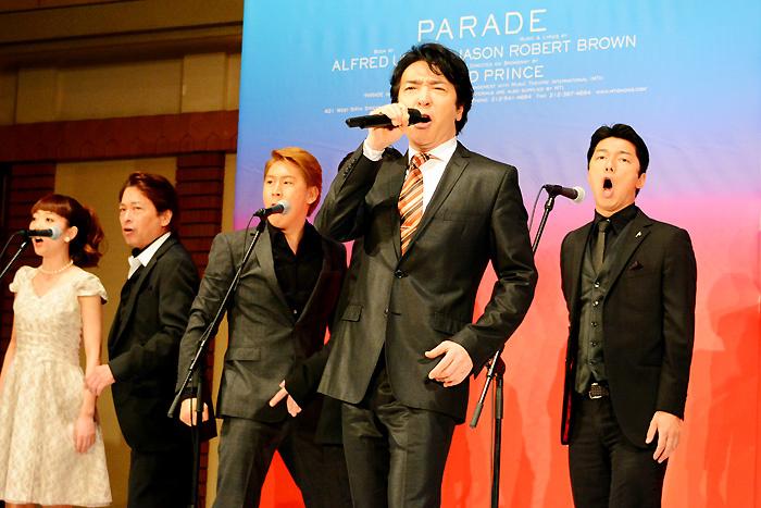(中央)石川禅 ミュージカル『パレード』製作発表