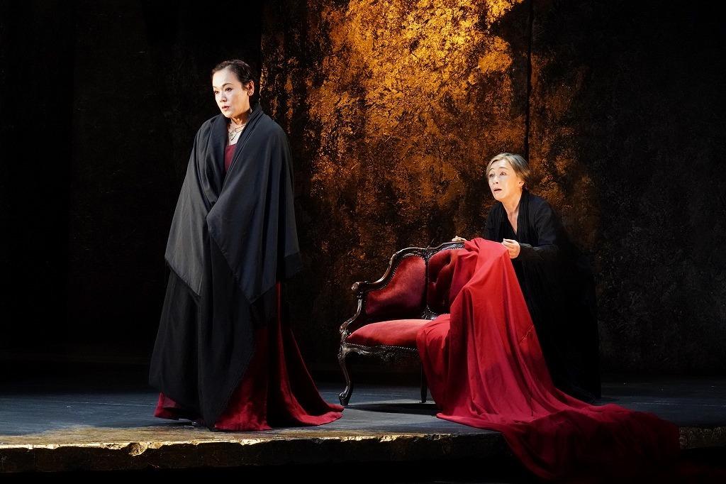 (左から)大竹しのぶ、キムラ緑子  撮影:田中亜紀