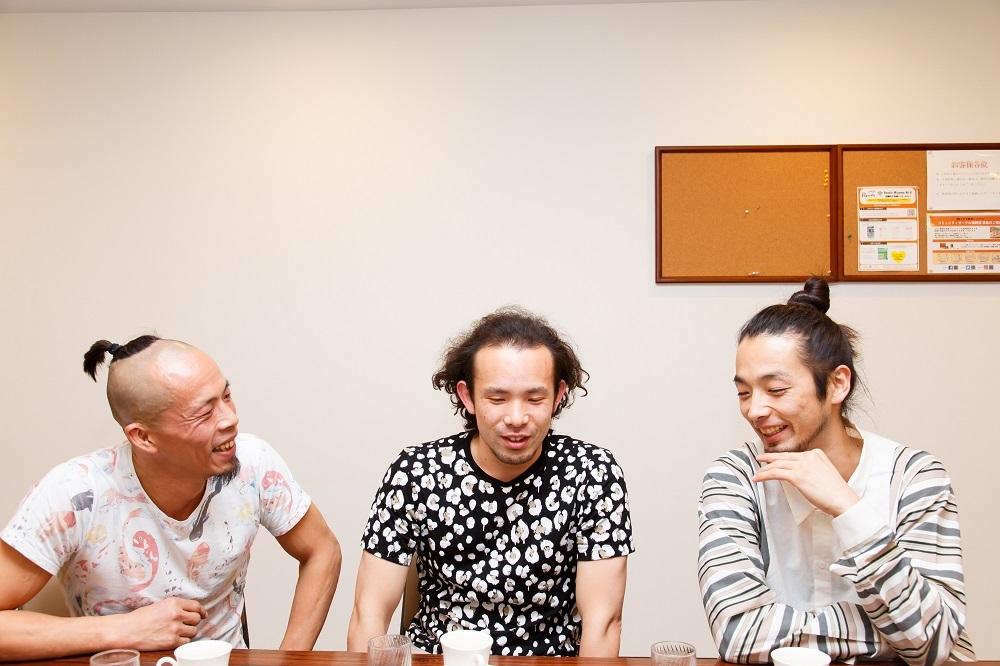(左から)大植真太郎、平原慎太郎、森山未來