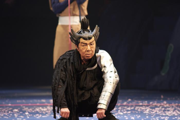 NODA・MAP『贋策 桜の森の満開の下』ゲネプロより 古田新太