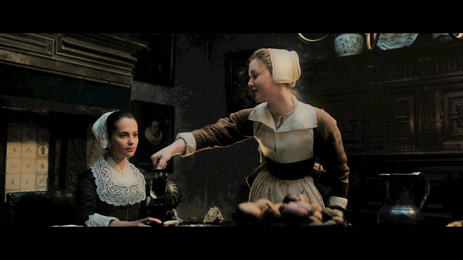 映画場面写真 女主人と女中 (C) 2017 TULIP FEVER FILMS LTD.  ALL RIGHTS RESERVED.