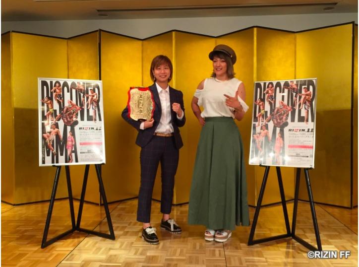 浅倉カンナ(左)とRENA(右)