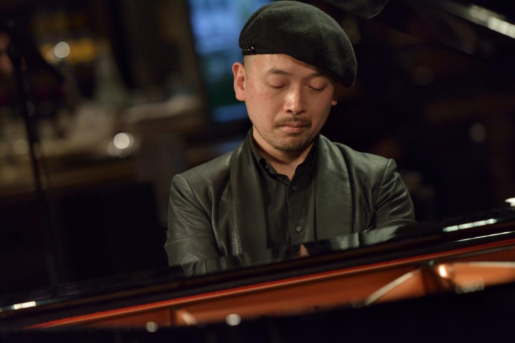 金益研二(ピアノ)