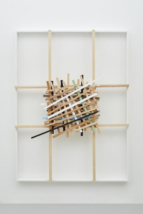 空積Stacked Voids 2019 wood, acrylic h.180.5 x w.135.0 x d.24.2 cm (C)Kishio Suga