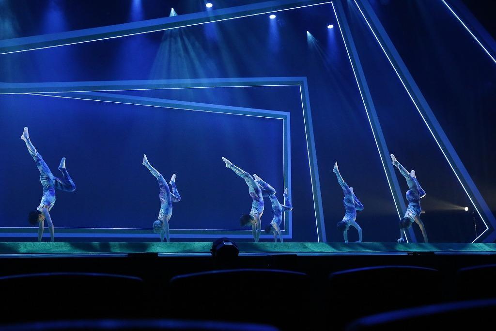 撮影:小堺勝巳 (C)2021 舞台『タンブリング』製作委員会
