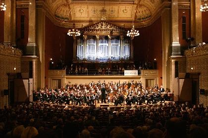 今年で任期終了となる、プラハ放送交響楽団の指揮者オンドレイ・レナルトとピアニストであるヴァディム・ホロデンコのミニインタビューが到着!