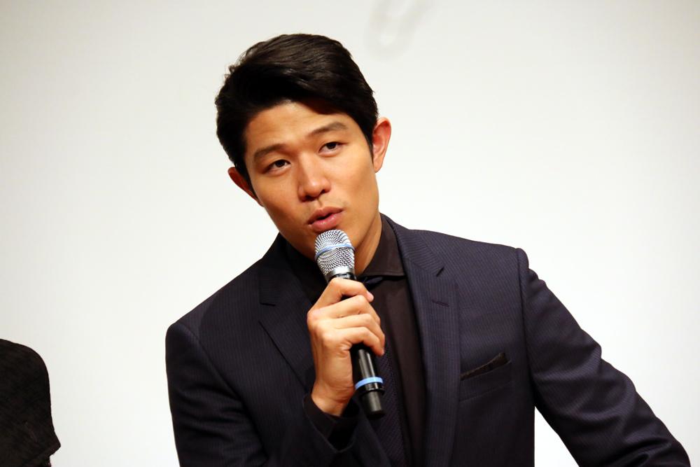 鈴木亮平 舞台「ライ王のテラス」