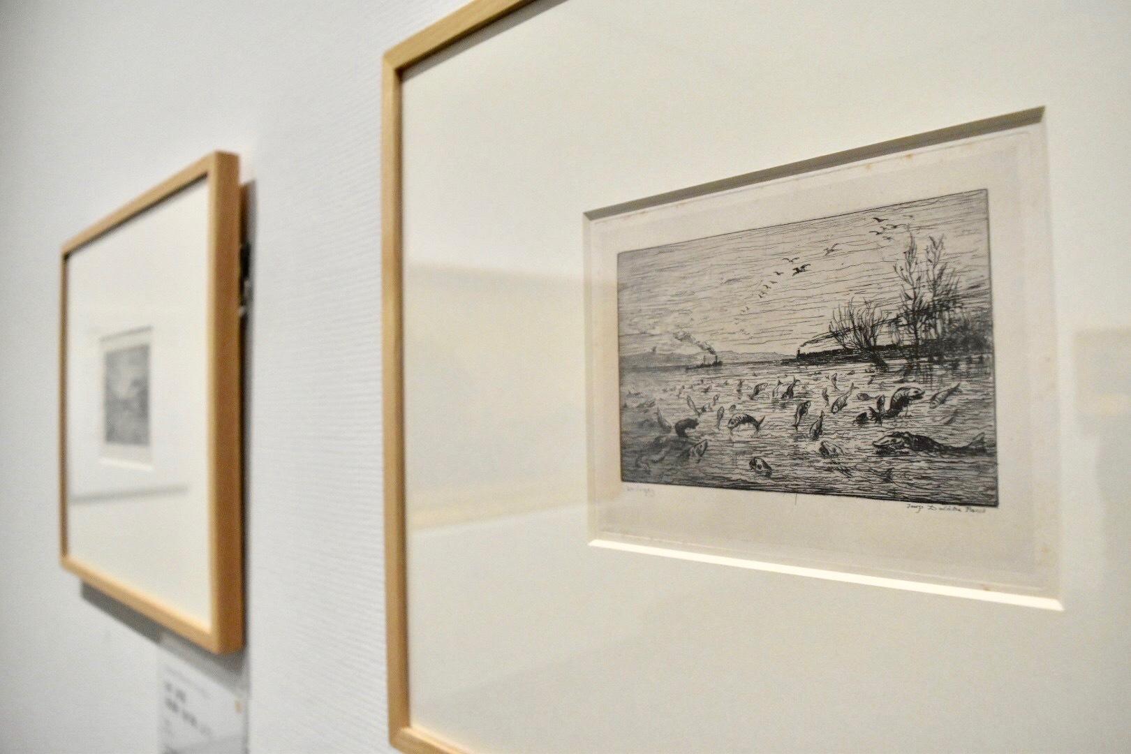 右:シャルル=フランソワ・ドービニー 水夫見習いの出発を祝う魚たち(版画集「船の旅」より) 1862年 個人蔵