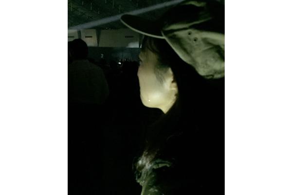 シマザキの頬を伝う一筋の光