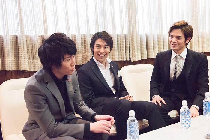 (左から)内藤大希・海宝直人・田村良太