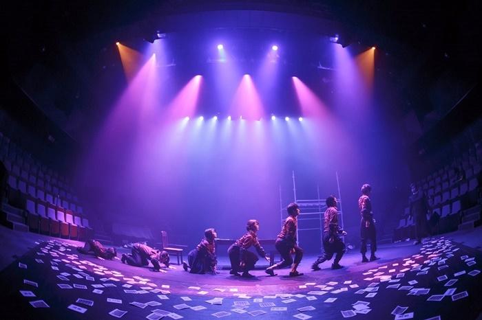 大熊隆太郎作・演出作品の、劇団壱劇屋『新しい生活の提案』(2017年再演)。 【撮影】河西沙織