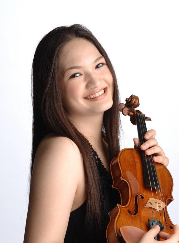「第205回定期演奏会」のソリストは、ヴァイオリニストの有希 マヌエラ・ヤンケ (C)井村重人