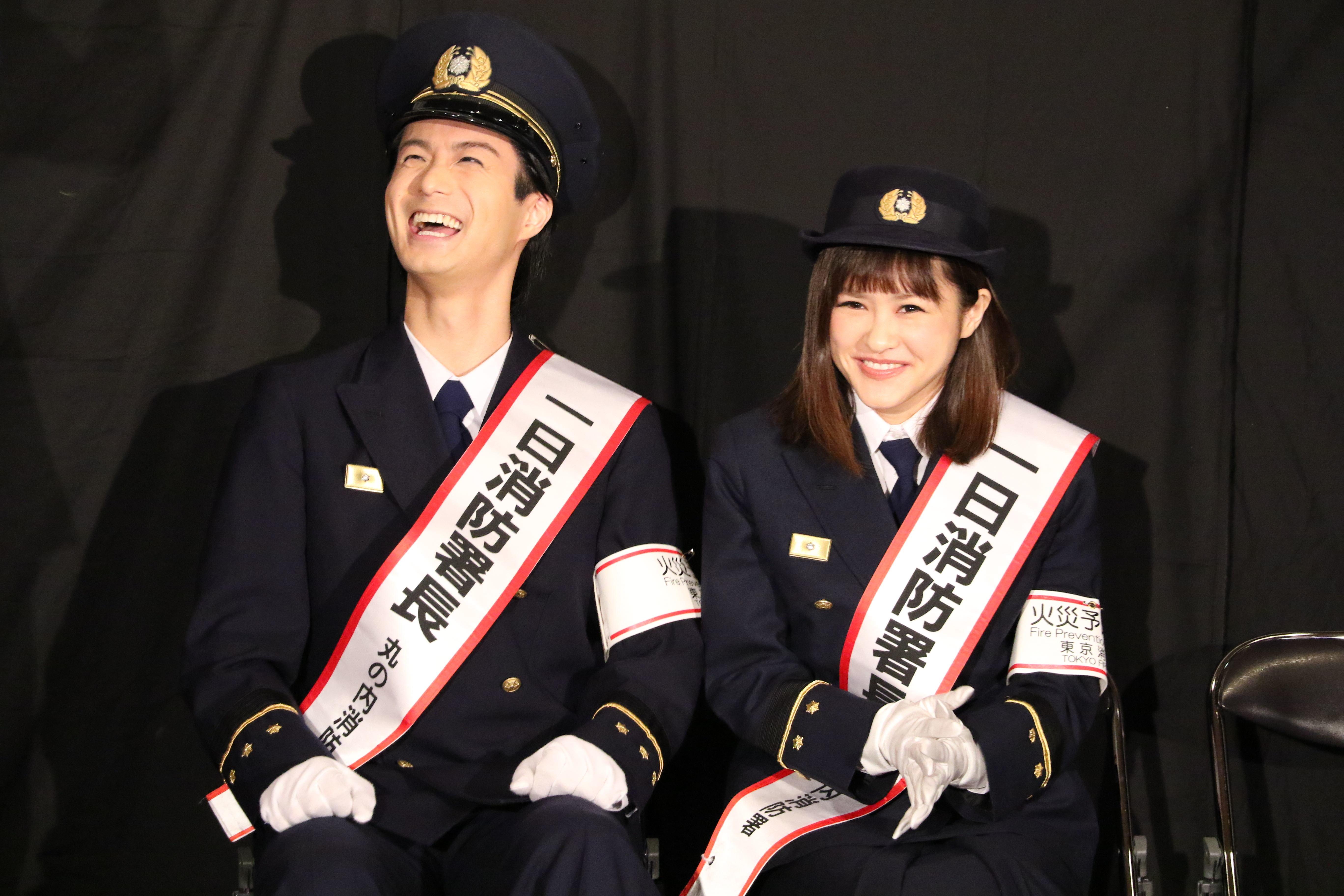 スタッフのコミカルな演技に思わず笑顔が溢れる田代万里生と昆夏美