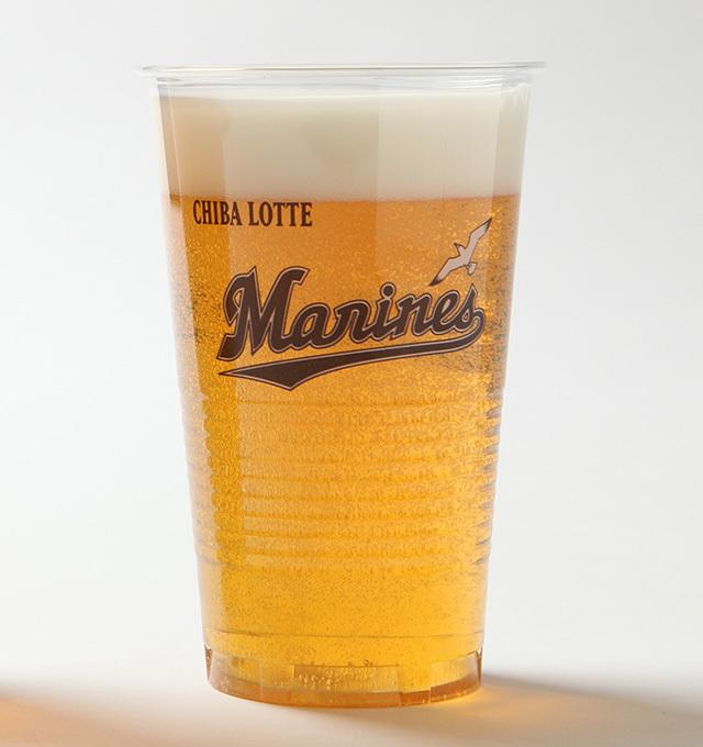 売店やワゴン、立売で提供されている700円のビールが350円に!