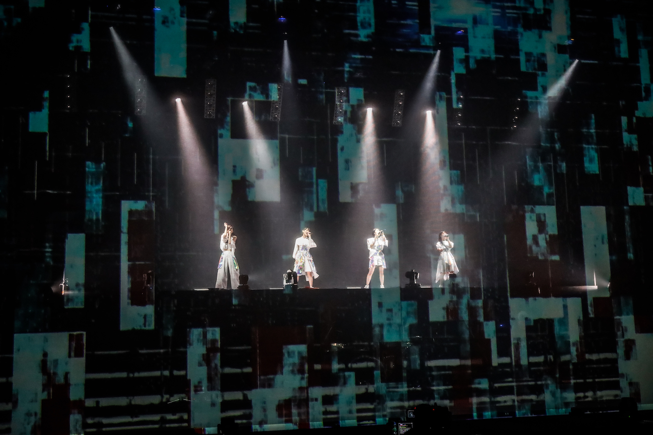 """『TEAM SHACHI Tour 2020〜異空間〜:Spectacle Streaming Show """"ZERO""""』 撮影=笹森健一"""
