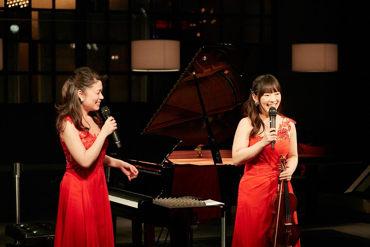 (左から)村松亜紀、里永莉果子
