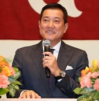 読売ジャイアンツの新監督に就任した原辰徳氏。契約期間は3年で、背番号は「83」