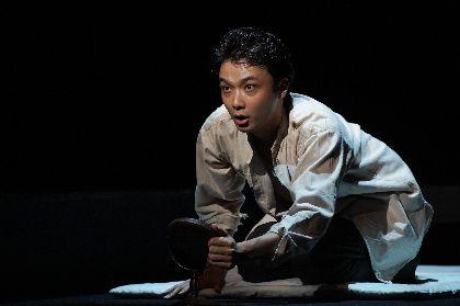 井上芳雄「今の時代に僕が演じる多喜二にしなければ」 井上ひさし氏最後の戯曲『組曲虐殺』が開幕